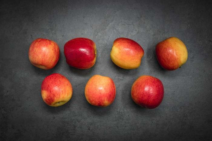 Apples pink lady 7