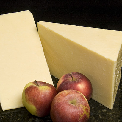 Maryland farm mature cheddar cheese