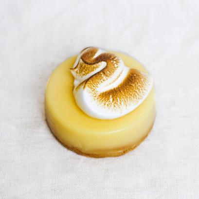 Lemon tart meringue%cc%81e