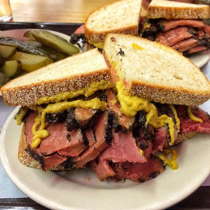 Best nyc restaurants katzs delicatessen pastrami on rye sandwich photo by indulgent eats 1080x