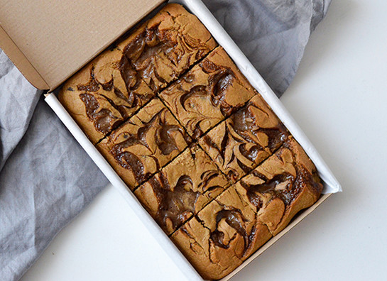 Caramel chickpea blondies