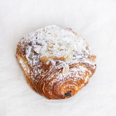 Almond choco croissant